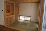 居間に連なる和室