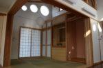 居間と連なる和室