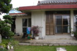 改築前の母屋と台所外観