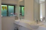 女子トイレ手洗い場